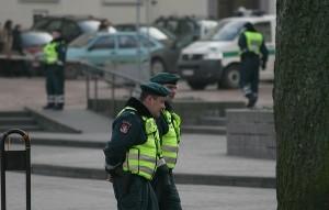 pareigūnai policija
