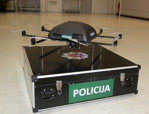 Unikalus skraidanis policininkas
