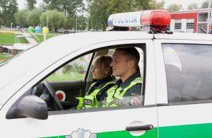 policininkai automobilis