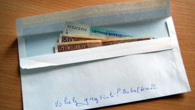 pinigai vokelis
