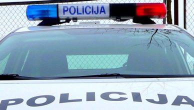 svyturelis_policijos_auto