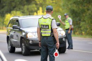 Nereikšmingas eismo įvykis atskleidė nusikalstamų veikų grandinę