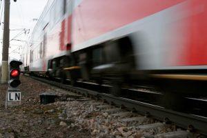 Traukinys link Kauno partrenkė žmogų
